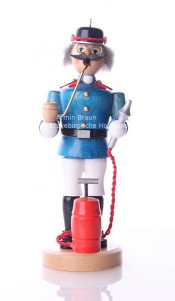 117_Feuerwehrmann_front
